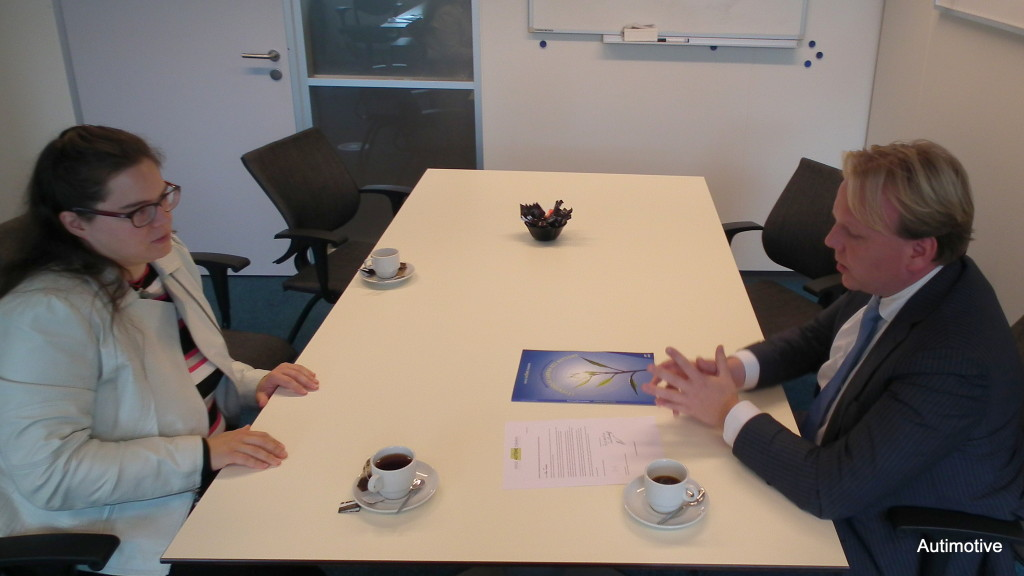 Autimotive in gesprek met wethouder Thomas Zwiers.