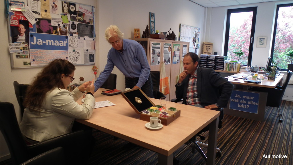 Autimotive in gesprek met een wethouder en beleidsmedewerker van de gemeente Halderberge.